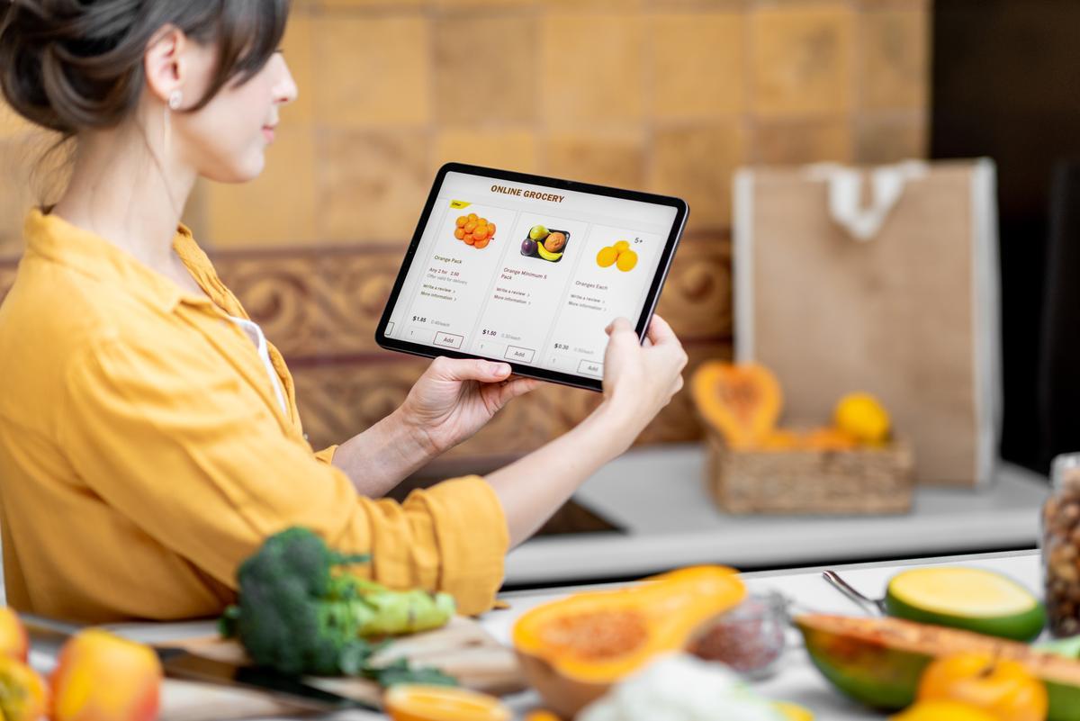 Cómo adaptar tu negocio a la era digital (y no morir en el intento)