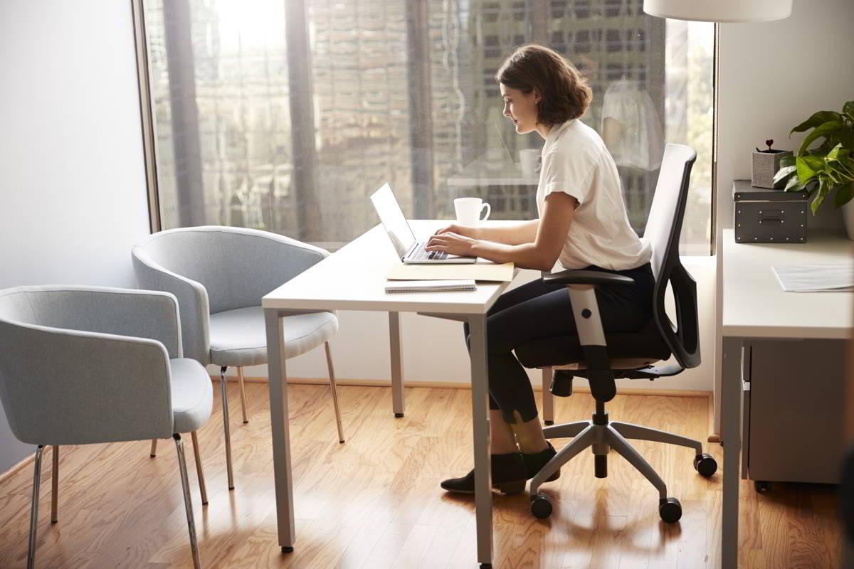 Cómo evitar riesgos relacionados con la carga postural