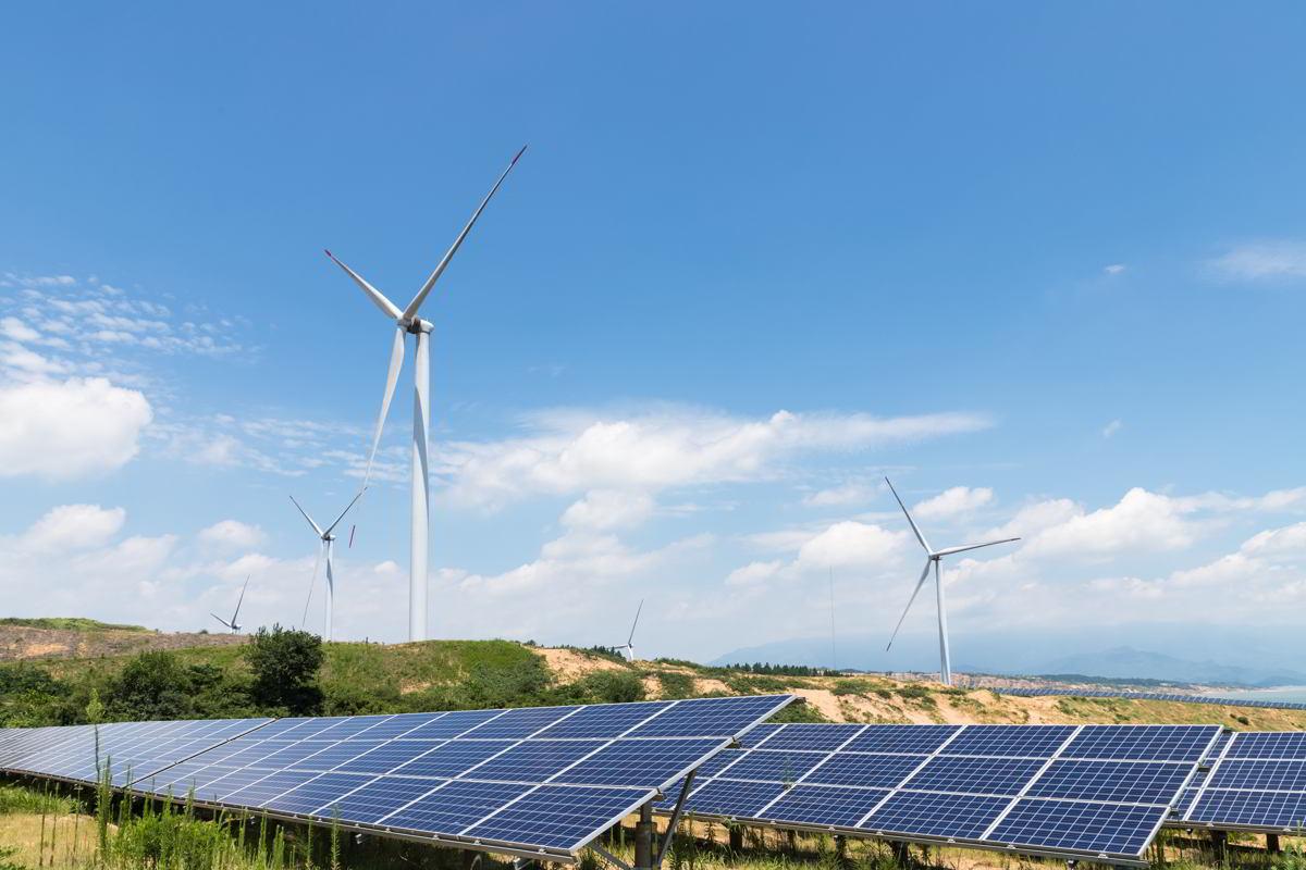Consejos para el contrato del suministro eléctrico: energías renovables